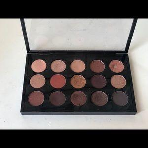 Mac 15 shadow palette